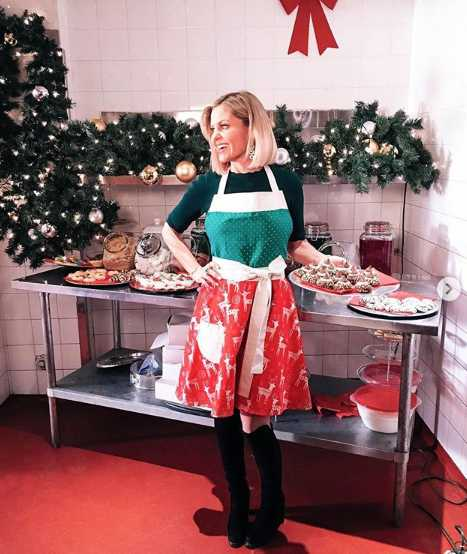 A Shoe Addicts Christmas.Candace Cameron Bure Answers Fan Questions About A Shoe