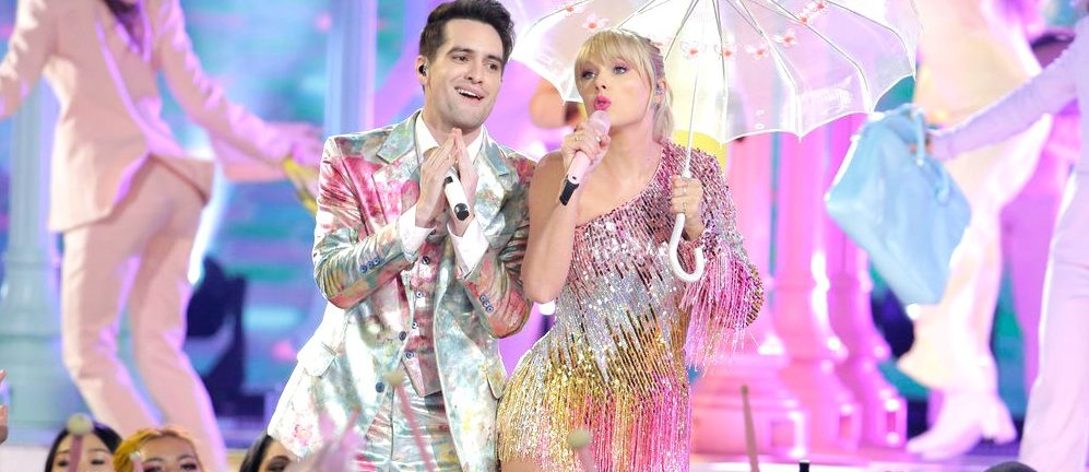 Taylor Swift and Brendon Urie Give Cool Performance at the 2019 Billboard Music Awards (Photos)