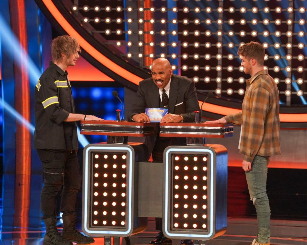 The Chainsmokers Vs. 5 Seconds of Summer on Celebrity Family Feud 2019 – Photos Inside!