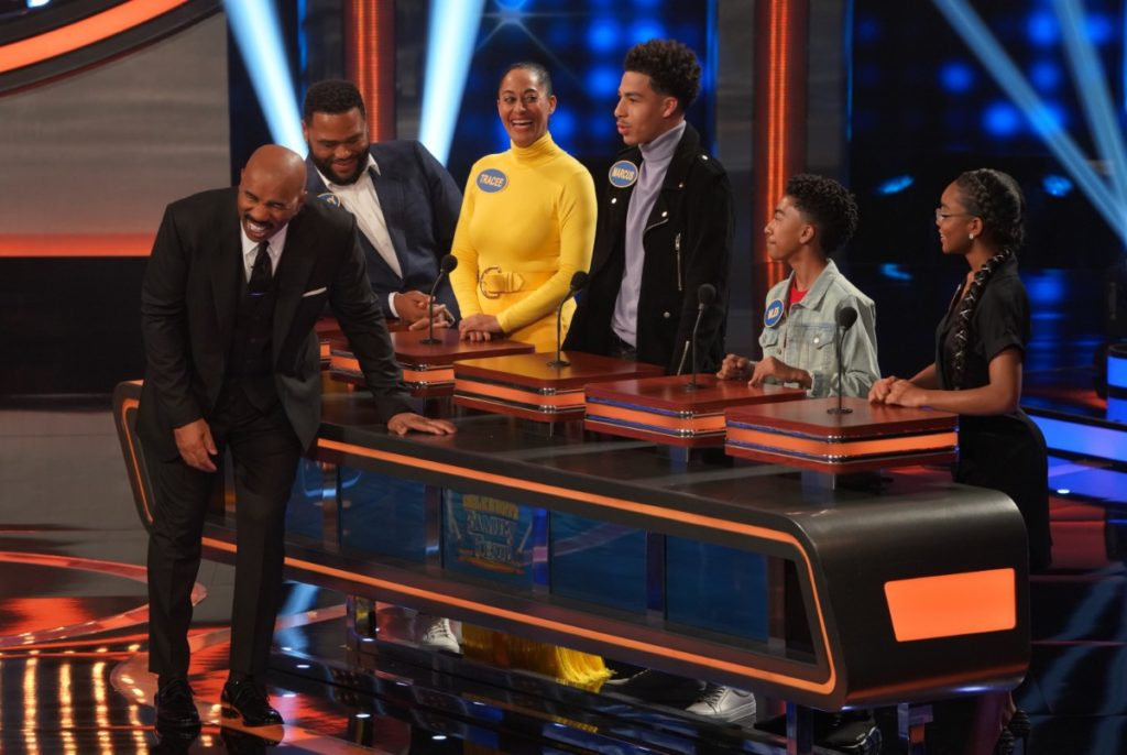 Cast from 'Black-ish' on Celebrity Family Feud 2019