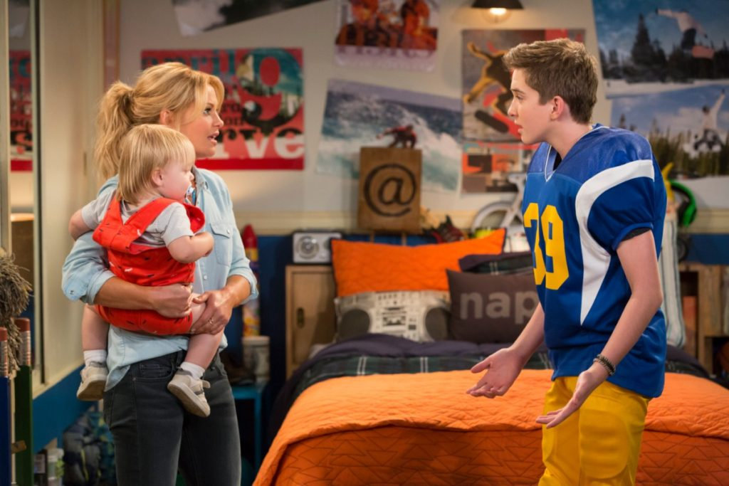 'Fuller House'  Renewed for 5th & Final Season – See Cast Reactions!