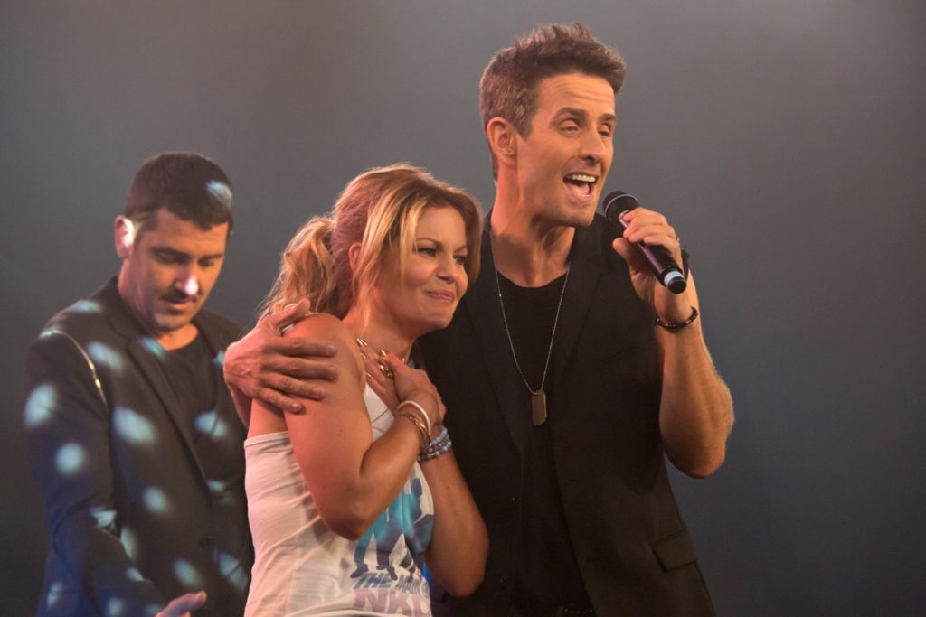 DJ Tanner with Joey McIntyre from the NKOTB on Fuller House Season 2