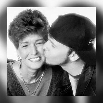 Donnie Wahlberg with his mom Alma