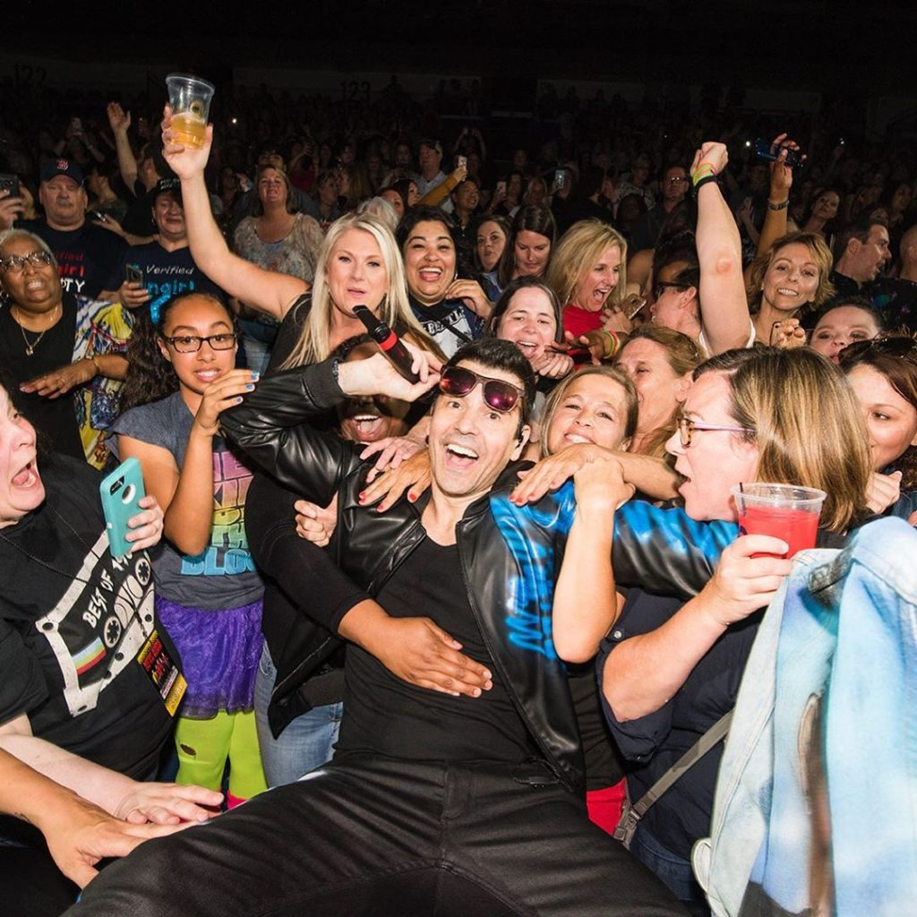 Jordan Knight with his fans