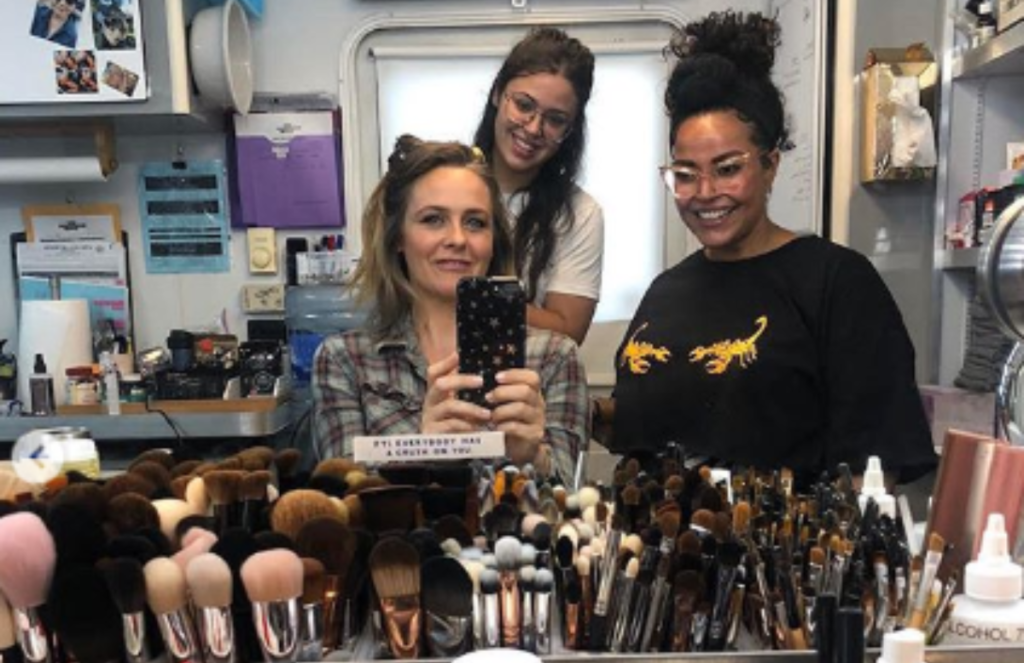 Alicia Silverstone Shares Behind the Scenes Photo from 'Babysitter's Club' Revival