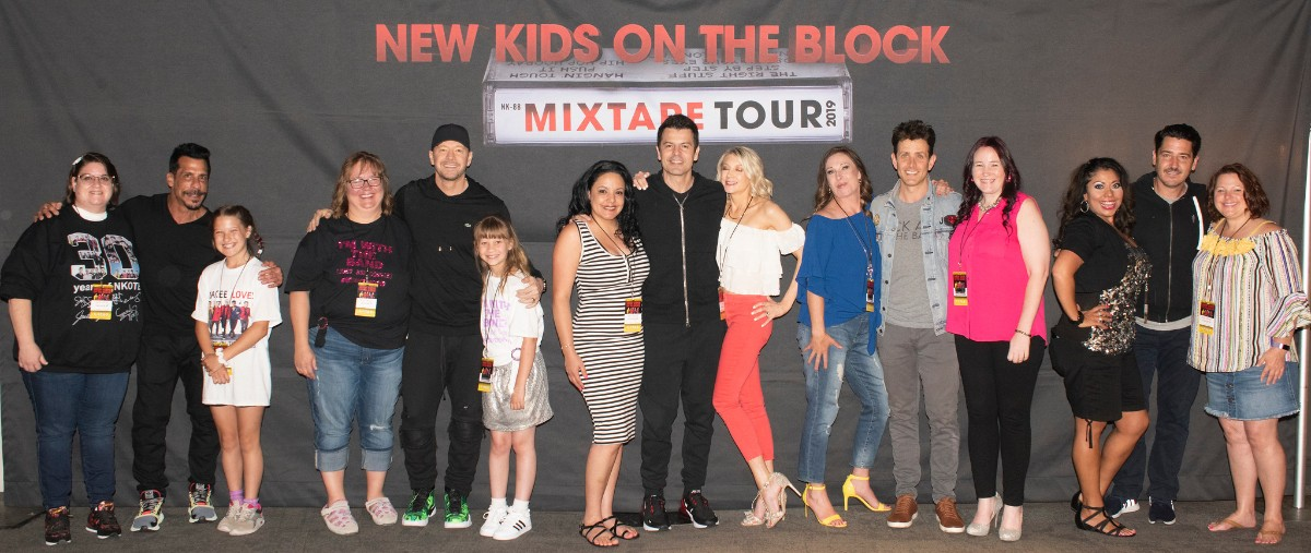 These Lucky Blockheads Met New Kids On The Block Feeling The