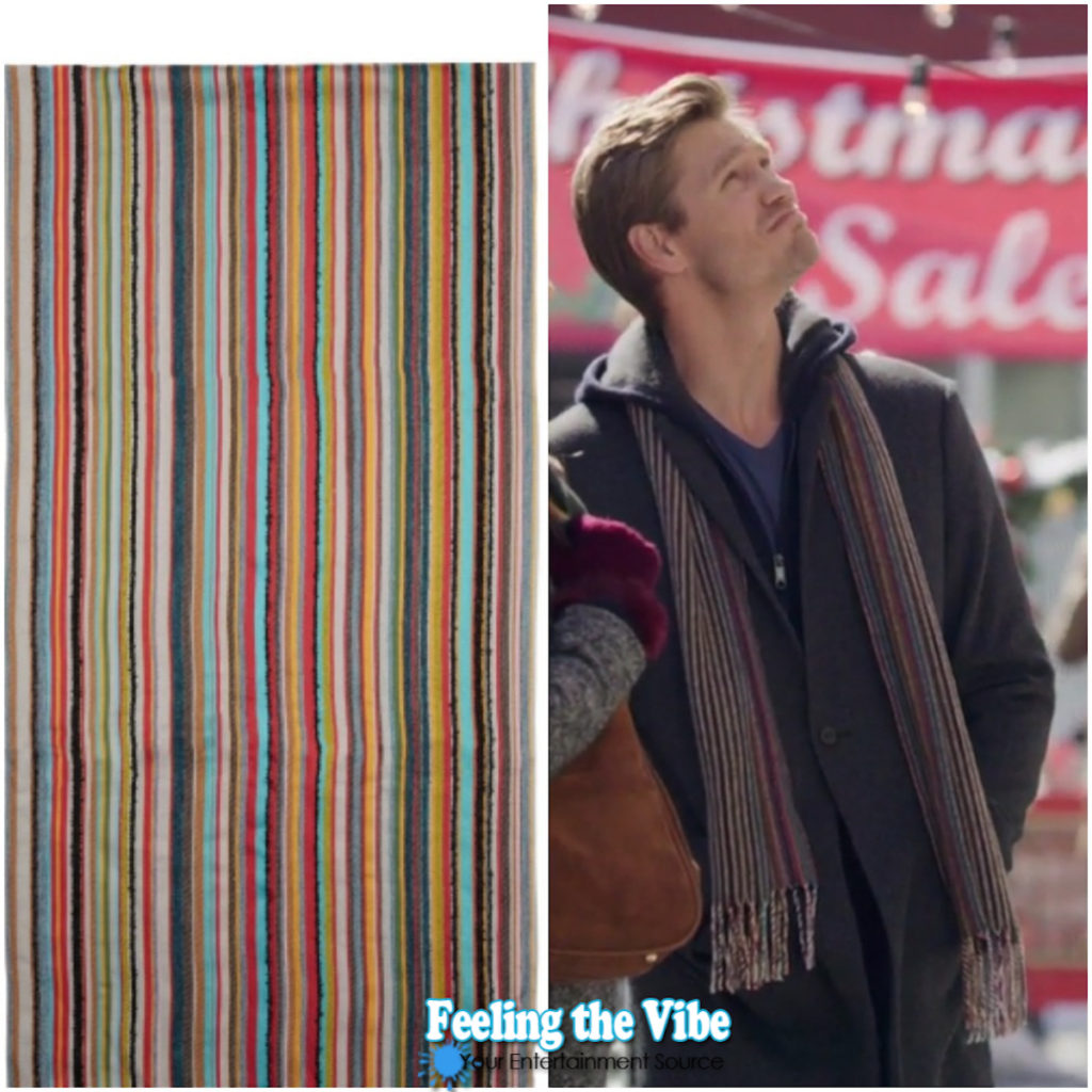 Chad Michael Murray, striped scarf