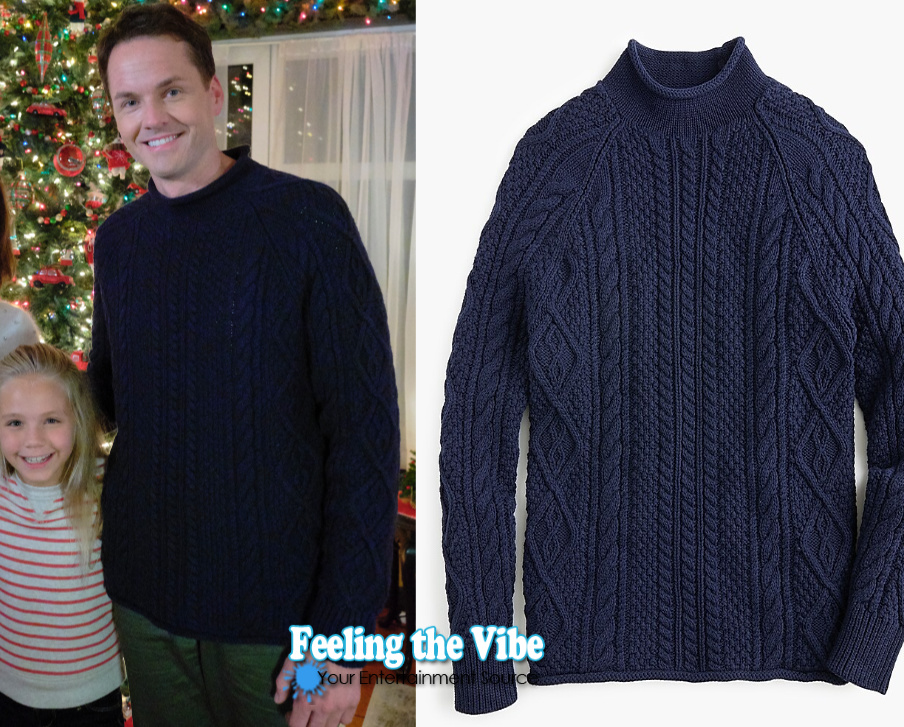 Paul Campbell's blue sweater in Holiday Hearts on Hallmark Channel