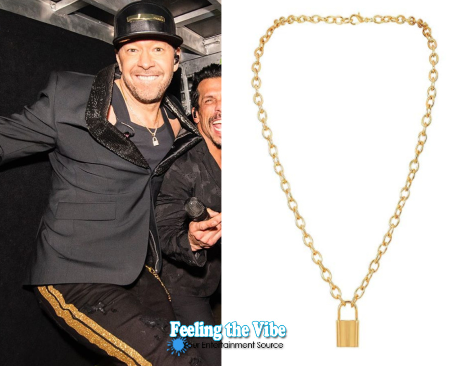 Donnie Wahlberg's gold lock necklace