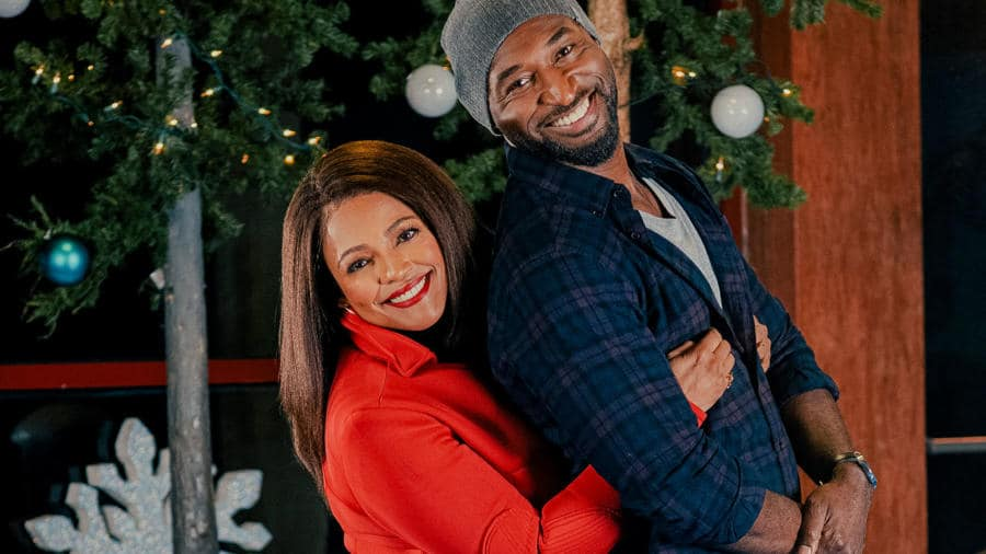 Kim Fields stars in 'You Light Up My Christmas' on Lifetime