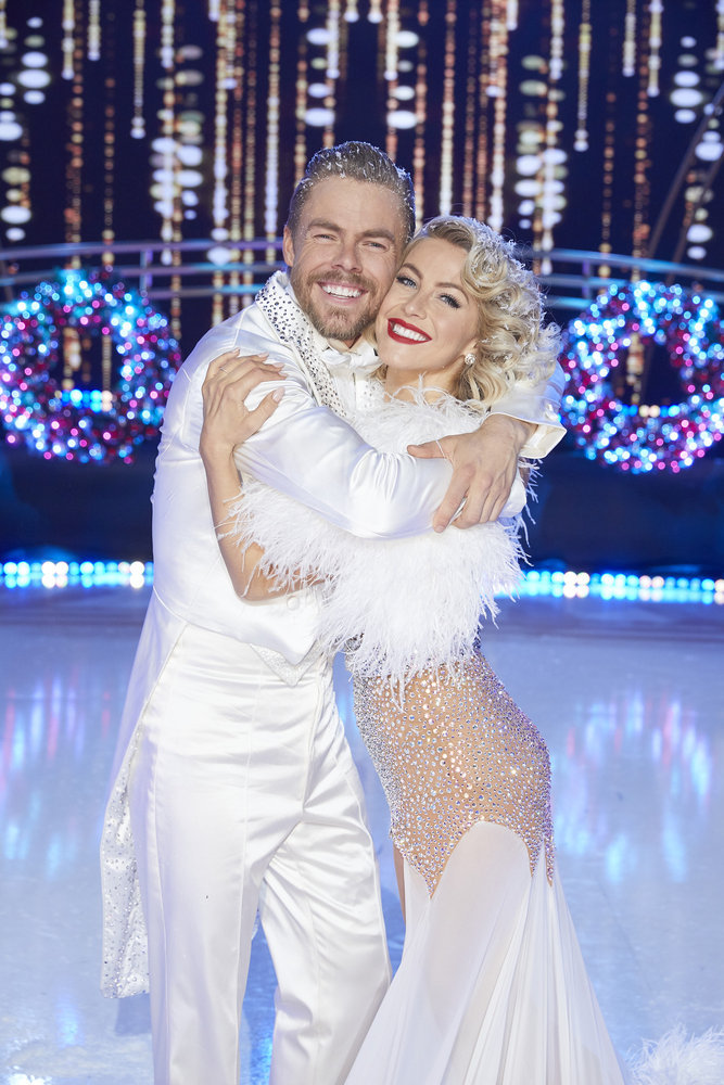 Julianne Hough To Co Host Nbc S New Year S Eve Special 2020