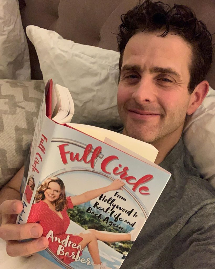 Joey McIntyre Fangirls Over 'Fuller House' Actor, Andrea Barber's New Book, Full Circle