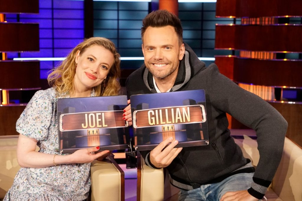 """Joel McHale to Appear on ABC's """"To Tell the Truth"""" – See Photos"""