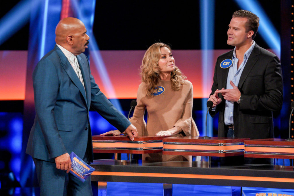 Kathie Lee Gifford and Ricki Lake to Compete on Celebrity Family Feud – See Photos!