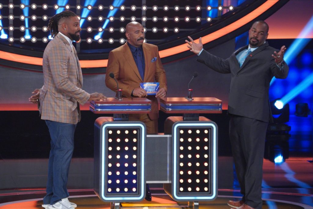NFLPA: Legends Joins NFLPA: Pro Bowlers on 'Celebrity Family Feud'- See Photos!
