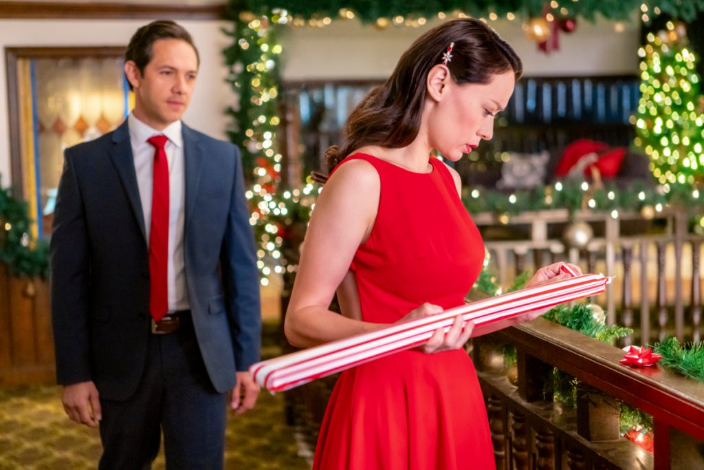 Kate (Lucia Micarelli) and Patrick (Michael Rady) from The Christmas Bow on Hallmark