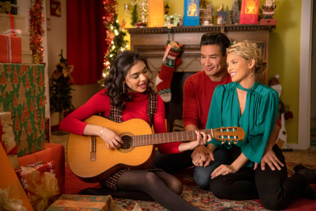 Mario Lopez, Annalynne McCord in Feliz Navidad on Lifetime