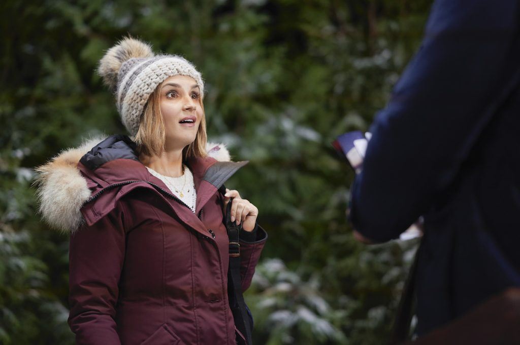 'Cross Country Christmas': Cast, Preview, & More on the New 2020 Hallmark Movie Starring Rachael Leigh Cook
