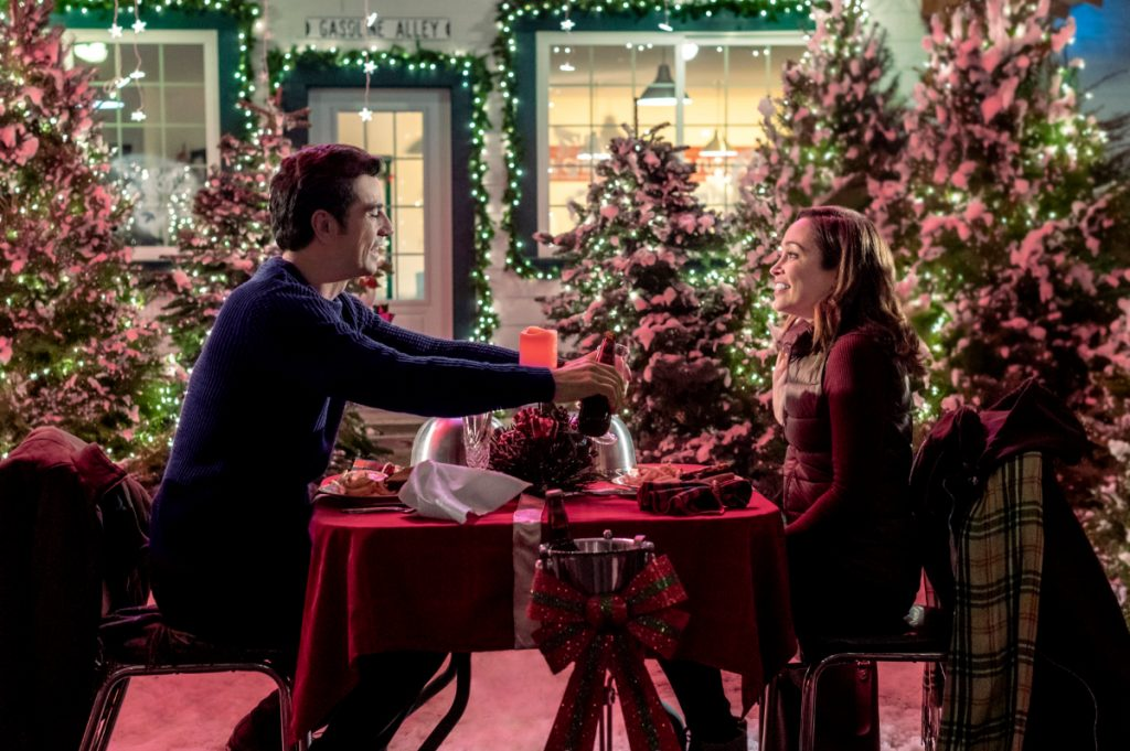 'A Glenbrooke Christmas': Cast, Preview, & More on the New 2020 Hallmark Movie Starring Autumn Reeser