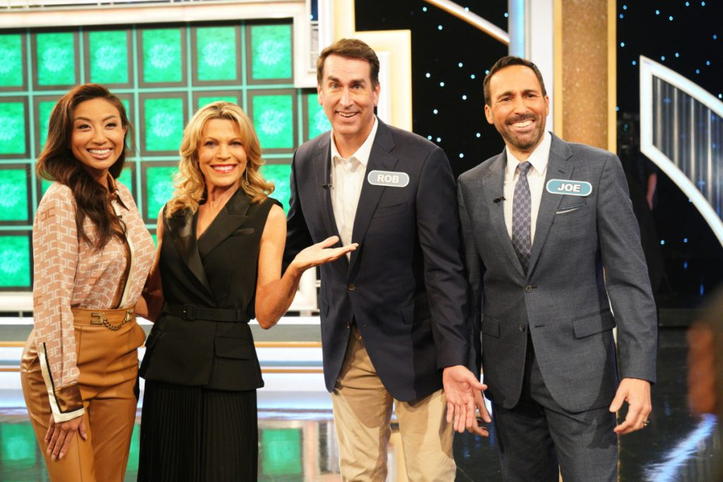Jeannie Mai, Rob Riggle, & Joe Tessitore on 'Celebrity Wheel of Fortune'