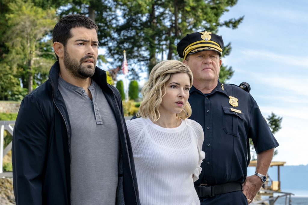JESSE METCALFE, SARAH LIND, Ships in the Night A Martha's Vineyard Mystery