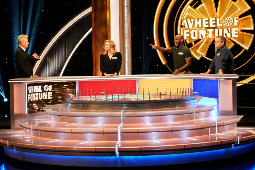 Jennie Garth, Karamo Brown, & Patton Oswalt Compete on 'Celebrity Wheel of Fortune'