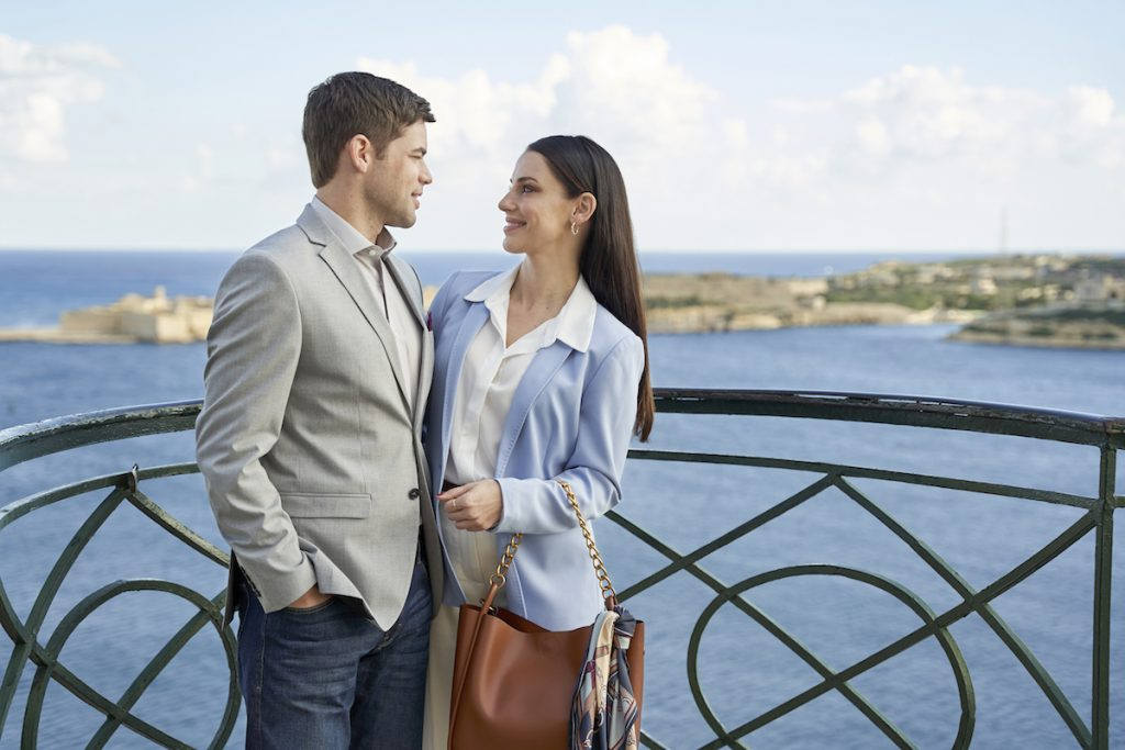 'Mix Up in the Mediterranean': Jeremy Jordan & Jessica Lowndes Star in New 2021 Hallmark Movie