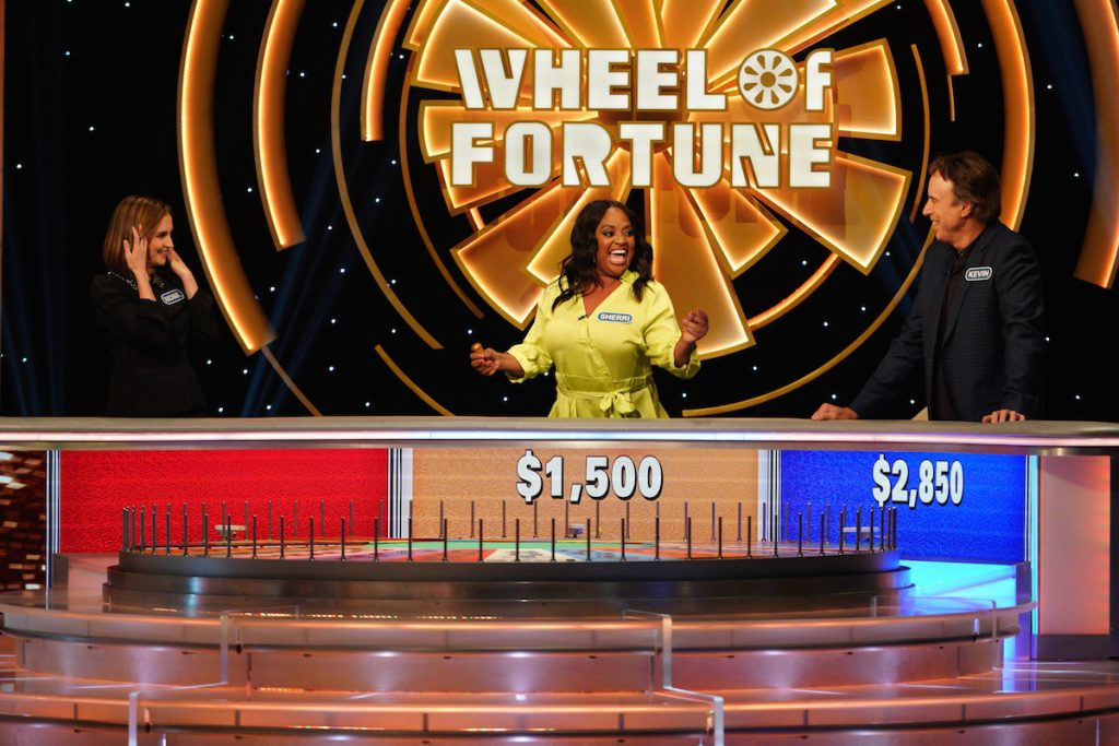Rachael Leigh Cook, Sherri Shepherd, and Kevin Nealon Compete on 'Celebrity Wheel of Fortune'