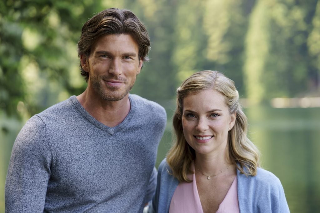 'Chasing Waterfalls' on Hallmark: Cindy Busby & Christopher Russell Star in New 2021 Movie
